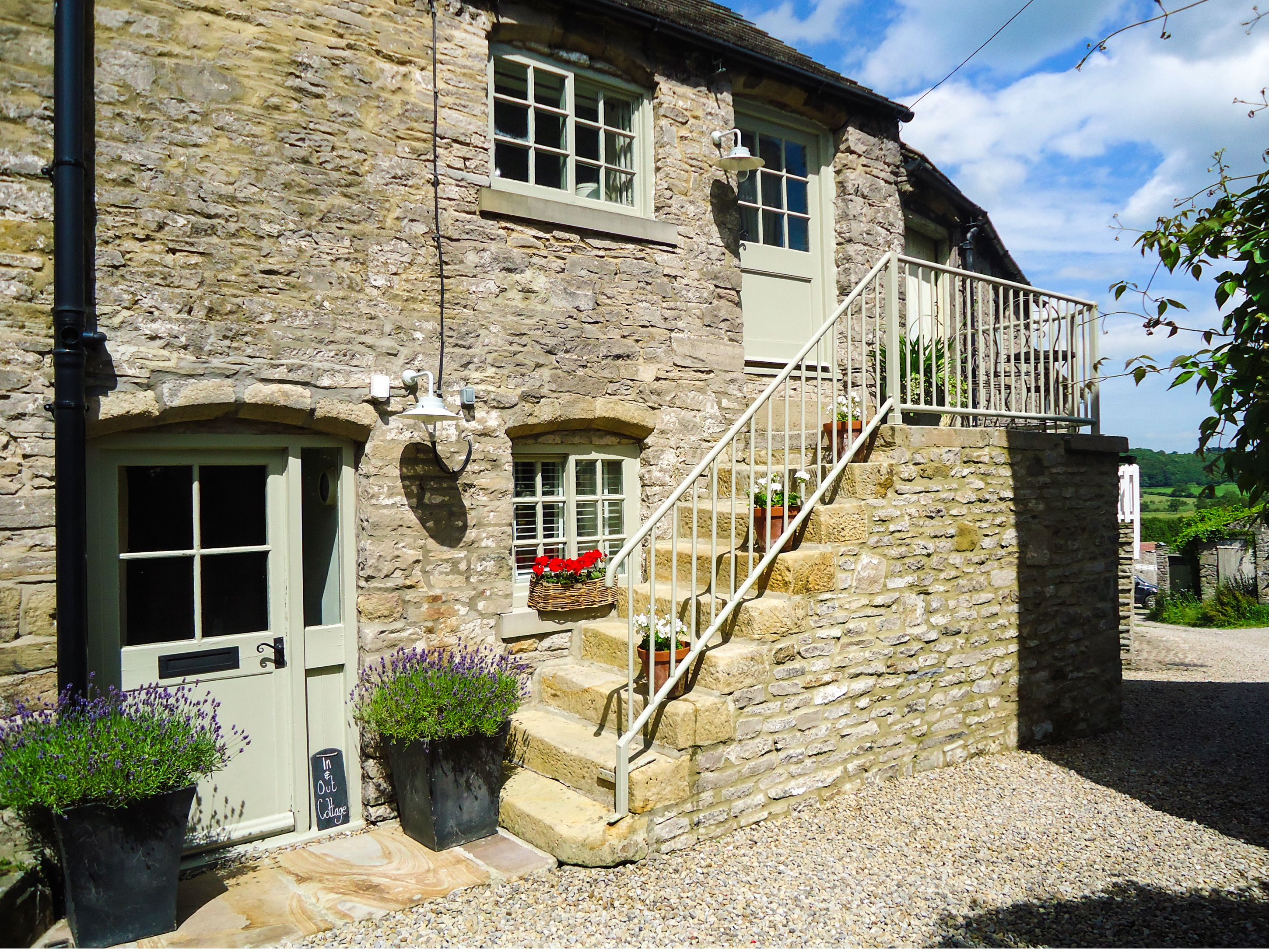 Photo of In & Out Cottage ( Ref 972733 ) sleeps 2 people - Holiday accommodation in Middleham near Leyburn Yorkshire Dales - North Yorkshire