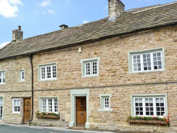 The Square Masham Two Bedrooms Sleeps Four Guests - Holiday Cottage near Yorkshire Dales