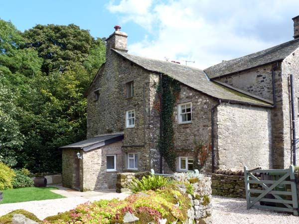 Beckside Cottage Pet-Friendly Cottage, Kirkby Lonsdale, Cumbria & The Lake District (Ref 9985)